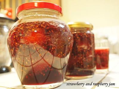 Strawberry_and_raspberry_jam2